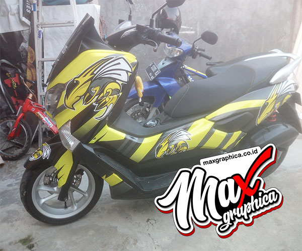 decal-nmax-bee-1-maxgraphica.co.id